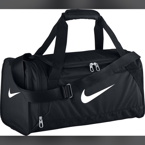 8b7edabfc42 Nike Brasilia Duffel Gym Bag. M 5b8deed2f30369adc8c78c33